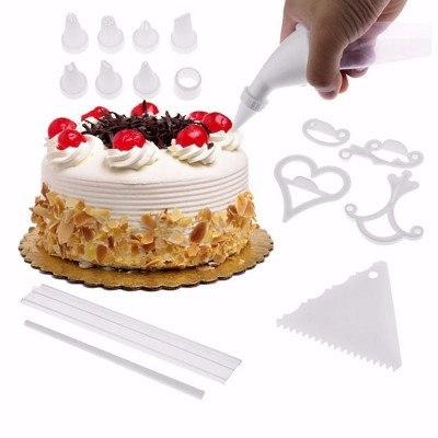 100 PIECE CAKE DECORATING KIT - DT068